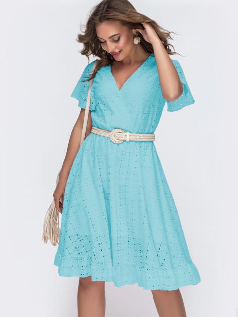 Голубое платье из прошвы с резинкой по талии - 49564, фото 1 – интернет-магазин Dressa