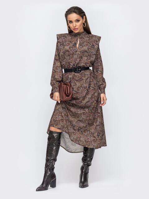 Расклешенное платье с принтом и подплечниками коричневое 51709, фото 1