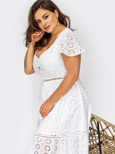 Белое платье большого размера с мережкой и пуговицами 54017, фото 1