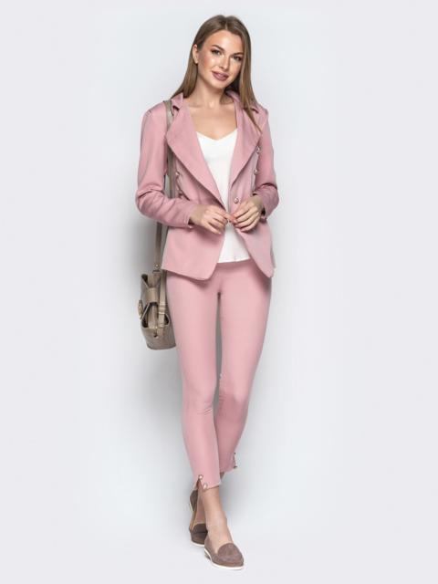 Серый костюм с пуговицами из жакета и брюк-дудочек - 20895, фото 1 – интернет-магазин Dressa