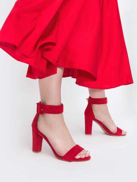 Красные босоножки из искусственной замши на каблуке - 45501, фото 1 – интернет-магазин Dressa