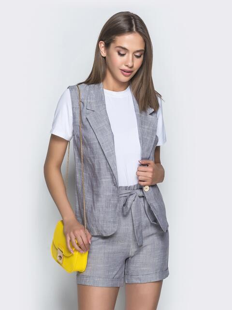 Льняной комплект серого цвета из жилета и шорт - 39363, фото 1 – интернет-магазин Dressa