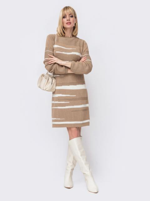 Бежевое вязаное платье прямого кроя 52925, фото 1