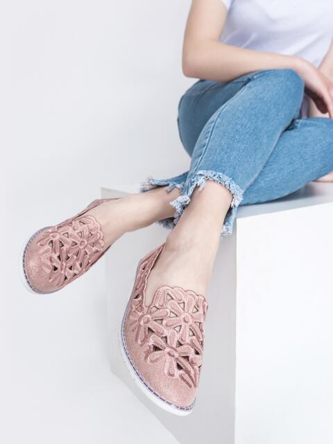 Балетки из искусственной кожи с тиснением и перфорацией розовые 45490, фото 1