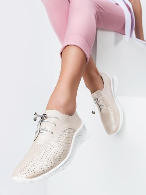 Кроссовки из искусственной кожи с перфорацией бежевые - 45498, фото 1 – интернет-магазин Dressa