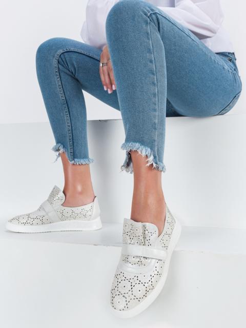 Туфли белого цвета с перфорацией - 45496, фото 1 – интернет-магазин Dressa