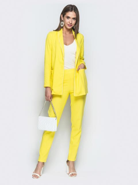 Льняной комплект с контрастными вставками на жакете желтый - 25652, фото 1 – интернет-магазин Dressa