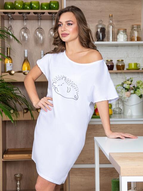 """Белая ночная рубашка с авторским принтом """"ёжик"""" - 20406, фото 1 – интернет-магазин Dressa"""