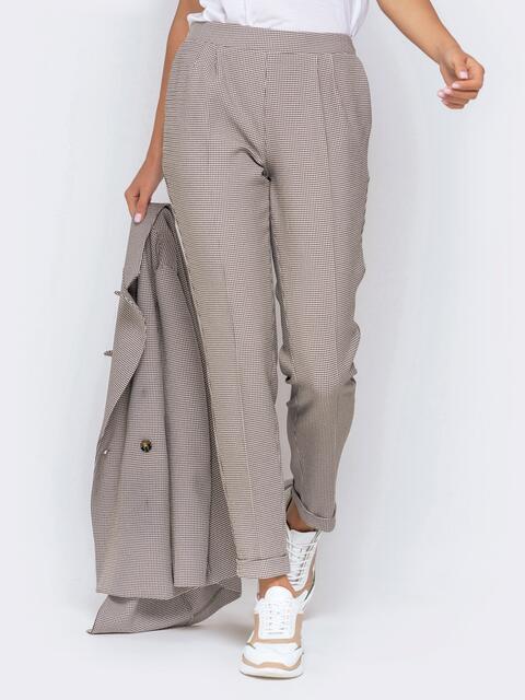 """Серые брюки с принтом """"гусиная лапка"""" и резинкой по спинке - 40982, фото 1 – интернет-магазин Dressa"""
