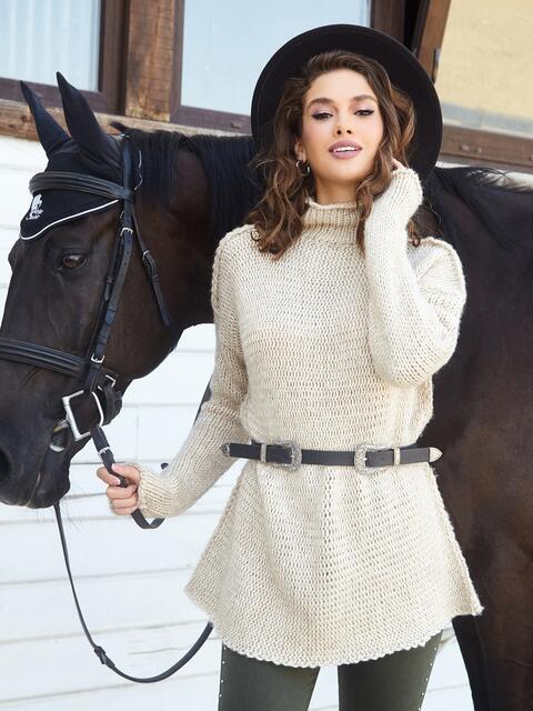 Удлиненный свитер с воротником-хомут бежевый - 41053, фото 1 – интернет-магазин Dressa