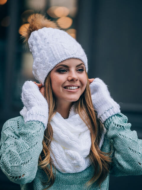Белый комплект с перчатками и помпоном на шапке - 14887, фото 1 – интернет-магазин Dressa