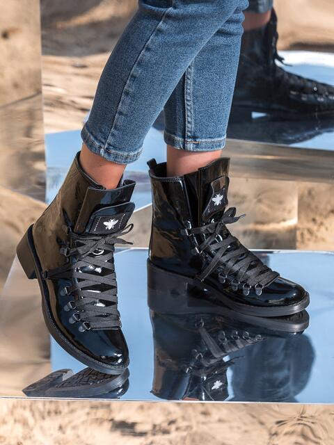 Лакированные ботинки чёрного цвета на шнуровке - 41468, фото 1 – интернет-магазин Dressa