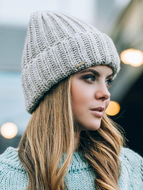 Светло-бежевая шапка без подкладки - 14753, фото 1 – интернет-магазин Dressa
