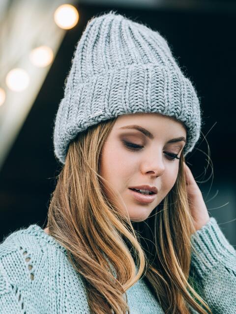 Светло-серая шапка без подкладки - 14755, фото 1 – интернет-магазин Dressa