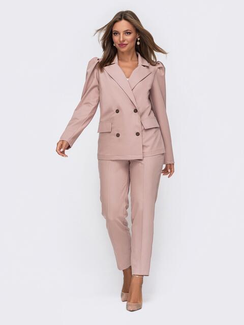Брючный костюм с двубортным пиджаком пудровый 50761, фото 1