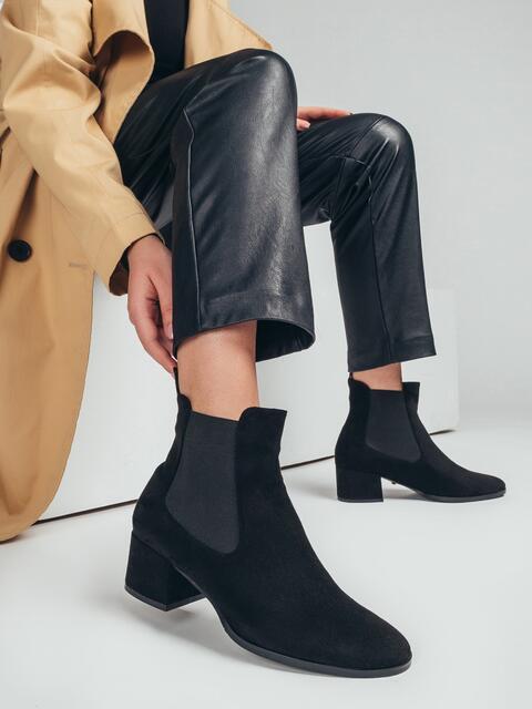 Демисезонные ботинки с резинками по бокам чёрные 50691, фото 1