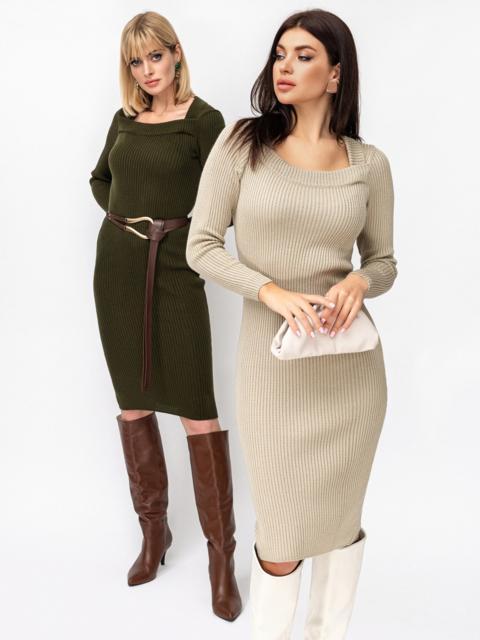 Вязаное платье бежевого цвета с фигурным вырезом 52906, фото 1