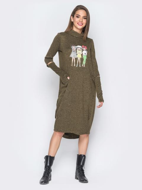Платье с рукавами-митенками и аппликацией цвета хаки - 18196, фото 1 – интернет-магазин Dressa