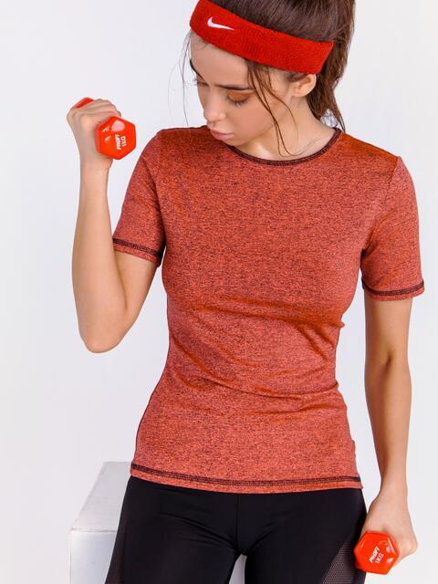 Спортивная футболка из трикотажа коралловая - 44648, фото 1 – интернет-магазин Dressa