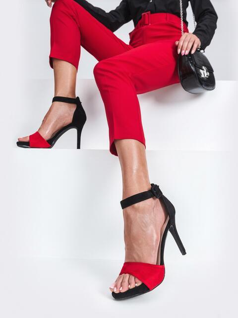 Босоножки из искусственной замши на тонком каблуке красные - 47504, фото 1 – интернет-магазин Dressa