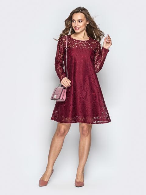 Гипюровое платье-трапеция с жемчужинами на кокетке бордовое - 20603, фото 1 – интернет-магазин Dressa