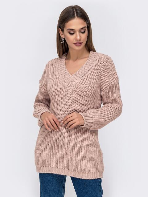 Свободный свитер крупной вязки с V-вырезом пудровый - 41578, фото 1 – интернет-магазин Dressa