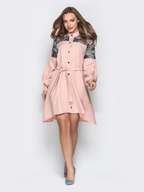 Пудровое платье-трапеция на пуговицах с кокеткой из гипюра - 20334, фото 1 – интернет-магазин Dressa