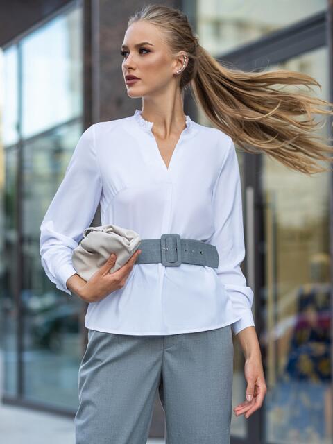 Белая блузка прямого кроя с рюшей по горловине 49686, фото 1