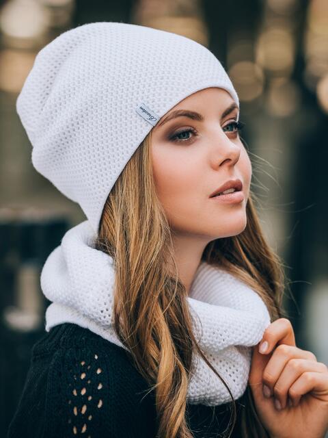 Белые шапка и хомут рельефной вязки - 14883, фото 1 – интернет-магазин Dressa