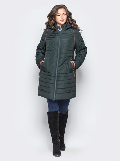 Удлиненная куртка со съемным капюшоном и заклёпкой на карманах зелёная - 16956, фото 1 – интернет-магазин Dressa