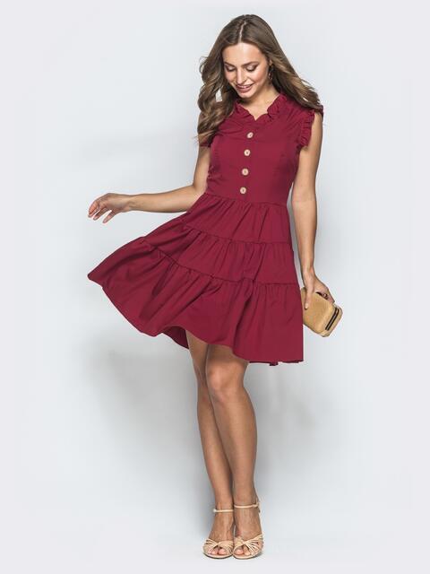 Приталенное платье-мини бордового цвета с оборками - 39307, фото 1 – интернет-магазин Dressa
