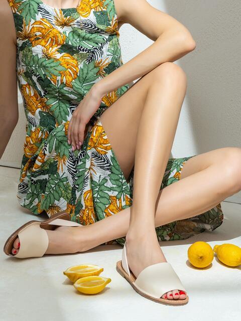 Бежевые босоножки на тонкой подошве - 47523, фото 1 – интернет-магазин Dressa