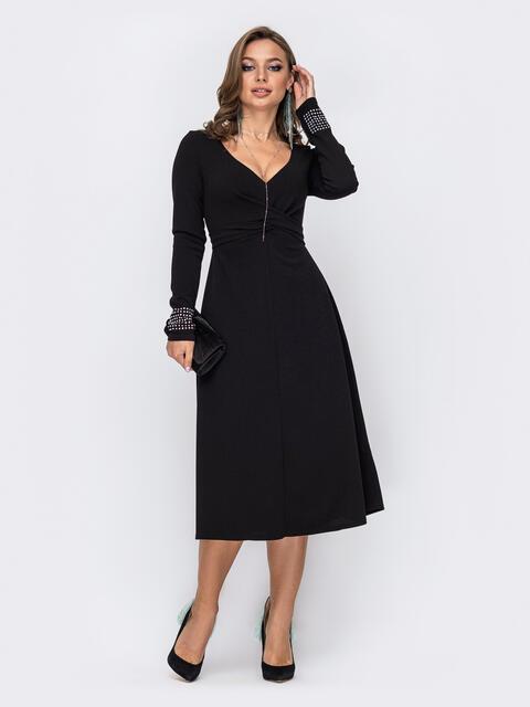 Расклешенное платье с треугольным вырезом чёрное 52092, фото 1
