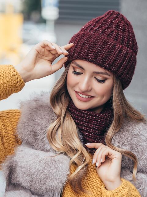 Бордовый комплект с нитью люрекса из шапки и бафа 40690, фото 1