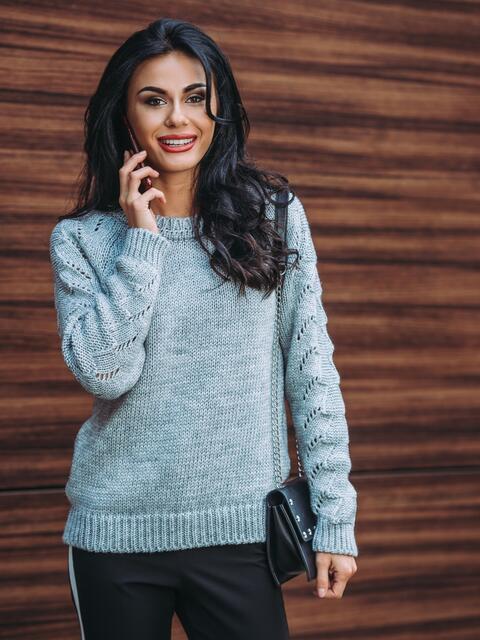 Свитер серый с перфорацией на рукавах - 13008, фото 1 – интернет-магазин Dressa