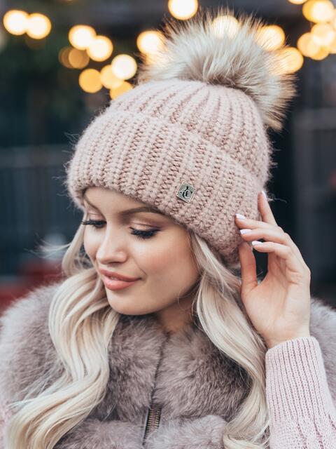 Зимняя шапка с бубоном пудрового цвета 50116, фото 1