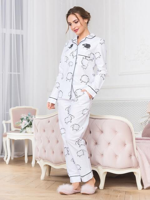Белая хлопковая пижама с принтом на рубашке и брюках - 18965, фото 1 – интернет-магазин Dressa