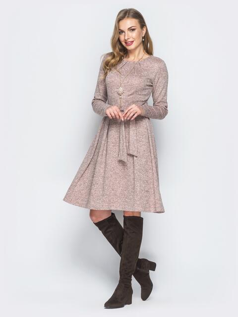 Розовое платье из полированной ангоры с подвеской в комплекте - 19035, фото 1 – интернет-магазин Dressa