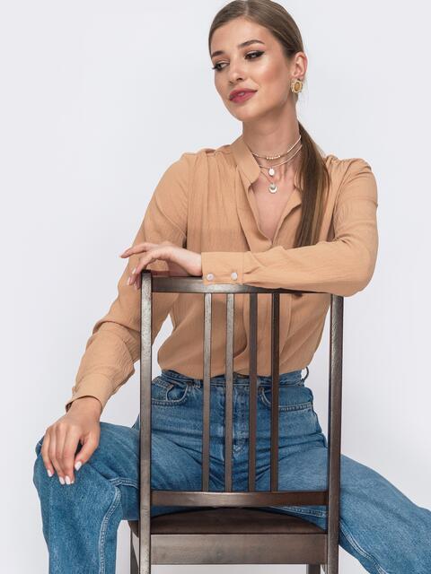 Бежевая блузка прямого кроя с воротником-стойкой - 49642, фото 1 – интернет-магазин Dressa