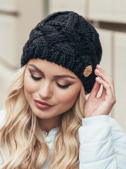 Черная шапка крупной узорной вязки - 15442, фото 2 – интернет-магазин Dressa