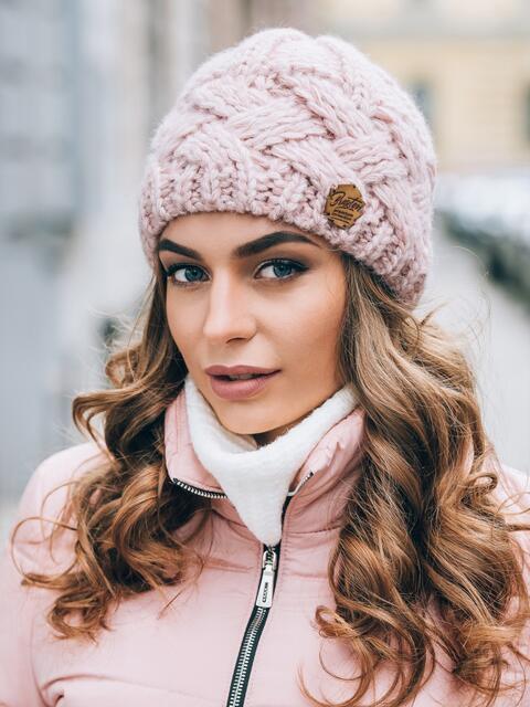 розовая вязаная шапка с объемными косами 14861 купить в киеве