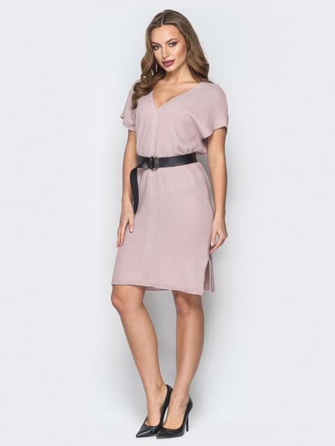 Пудровое платье с V-вырезом и кожаным поясом - 19843, фото 1 – интернет-магазин Dressa