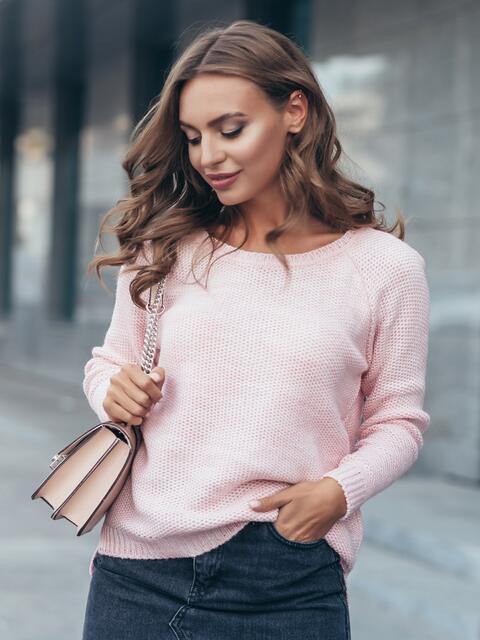 Свитер свободного силуэта с удлиненной спинкой розовый - 13006, фото 1 – интернет-магазин Dressa