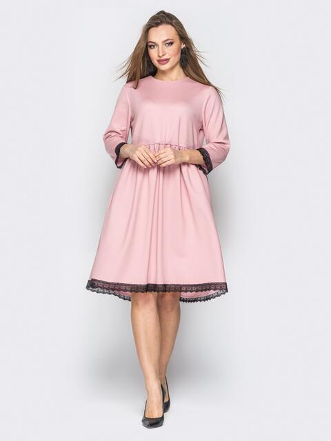 Розовое платье с кружевом и пуговицами по спинке - 19370, фото 1 – интернет-магазин Dressa