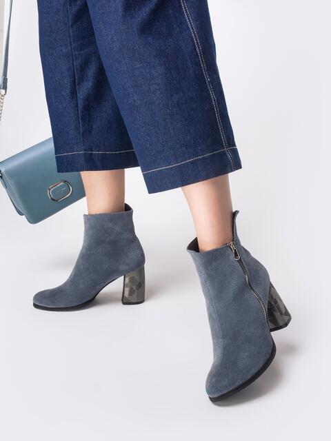 Демисезонные ботинки из замши на каблуке голубые - 41685, фото 1 – интернет-магазин Dressa