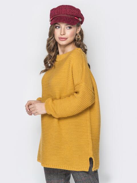Жёлтый свитер oversize с вырезом по спинке и украшением - 19330, фото 1 – интернет-магазин Dressa