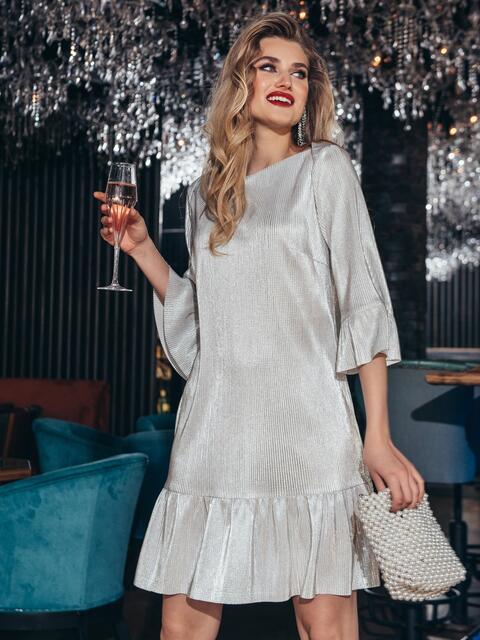 Платье свободного кроя с оборкой по низу бежевое - 42960, фото 1 – интернет-магазин Dressa