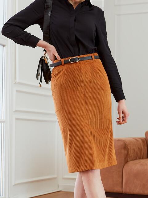 Прямая юбка из вельвета с разрезом спереди коричневая 53504, фото 1