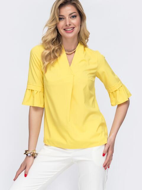 Жёлтая блузка прямого кроя с воланами на рукавах - 48412, фото 1 – интернет-магазин Dressa