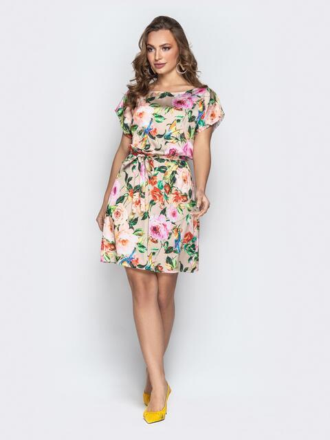 Шелковое платье с цветочным принтом и поясом бежевое - 20760, фото 1 – интернет-магазин Dressa